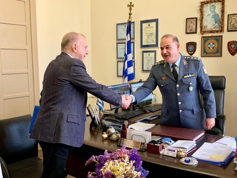 Σειρά επαφών είχε ο υποψήφιος δήμαρχος Ρόδου Αντωνης Καμπουρακης με στελέχη της Αστυνομίας, της Πυροσβεστικής και της Τροχαίας Ρόδου.