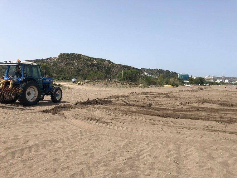 Καθαρισμός και τον ευπρεπισμός των παραλιών στην περιοχή «Καστρί» Φαληρακίου