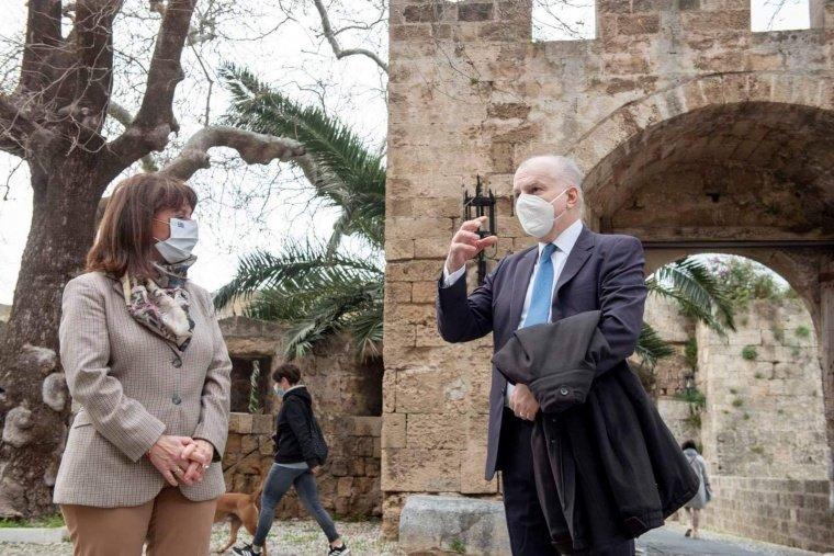 Υποδοχή στη Ρόδο της Προεδρου της Δημοκρατίας κ. Κατερίνας Σακελλαροπούλου